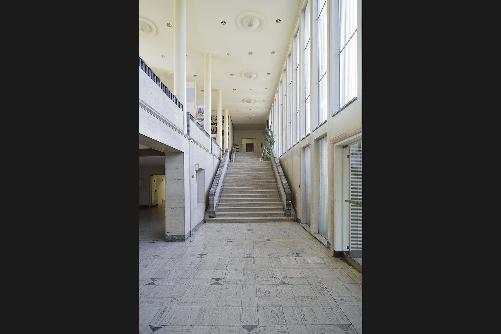 Saarbrücken Pingusson Treppenaufgang © Heiko Lukas