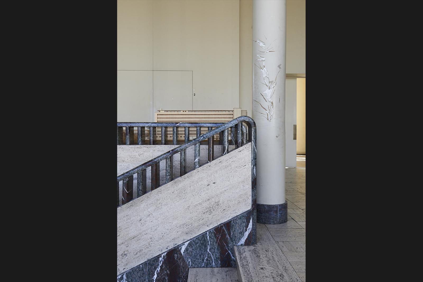 Treppen-Detail und Gebäudemodell in der »Hall d'honneur« © Marco Kany